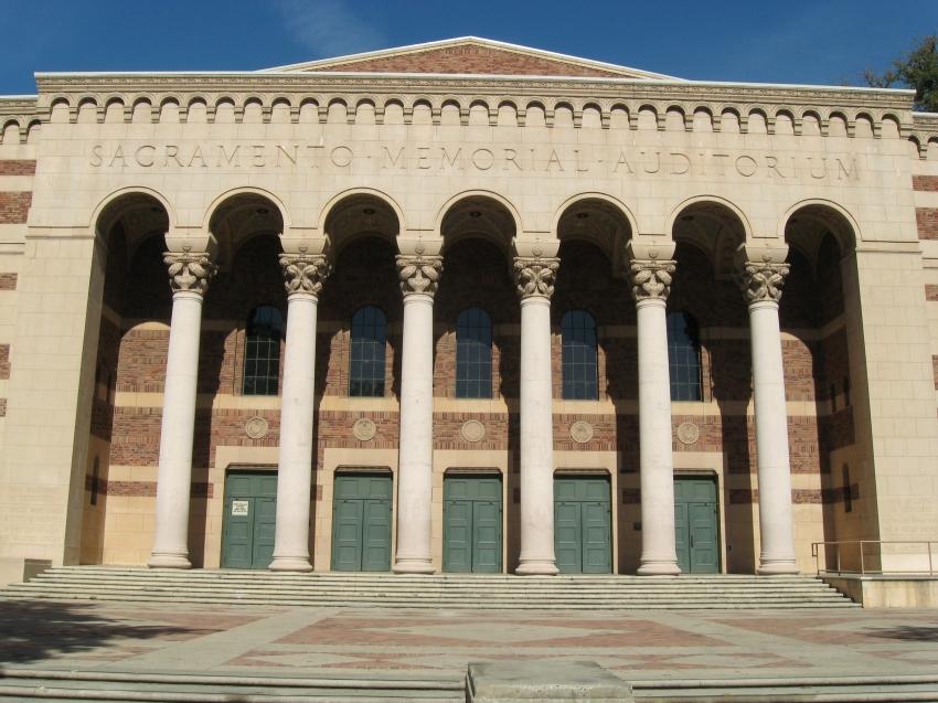Hotels Near Sacramento Memorial Auditorium