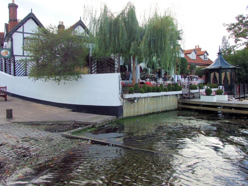Hotels Near Waterside Inn Bray